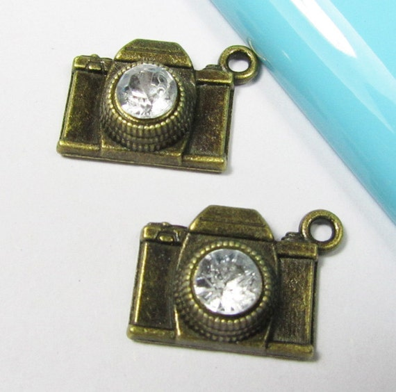 Camera Charms -10pcs Antique Bronze Camera with Clear Crystal Charm Pendant 16x20mm B104-3