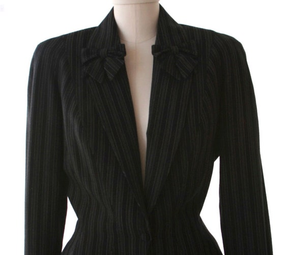 THIERRY MUGLER - Pinstripe Pant Suit - Size 2 or 4