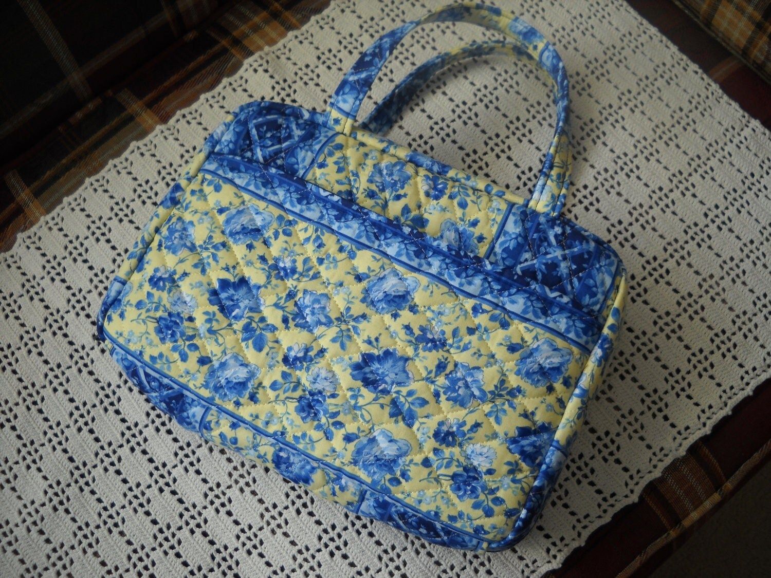 Quilted Fabric Book Cover : Blue and yellow floral quilted zippered bible cover