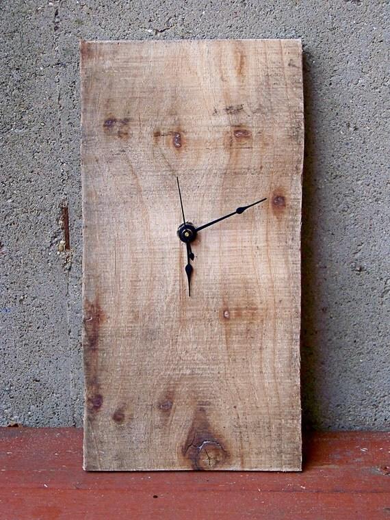 Minimalist Reclaimed Wood Pallet Clock