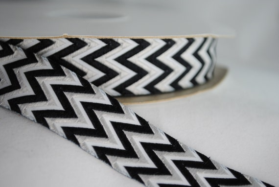 Black and White Chevrons 2 Yards Jacquard Trim 7/8 inches wide