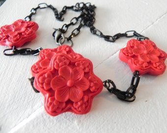 Chain Necklace with Red Flower Bead