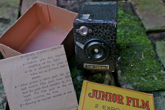 RESERVED for ausphoto: Rare 1930s Japanese Yen Baby or Super Kamerette Camera Miniature with Box and Instructions