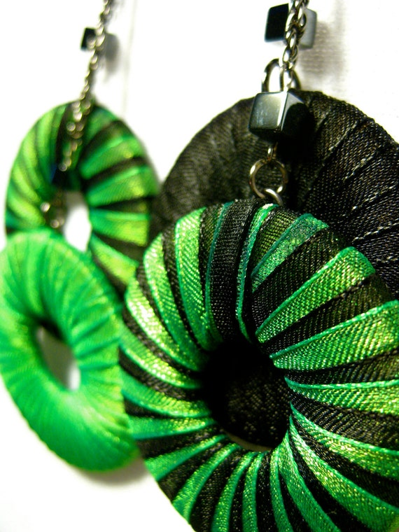 SALE 40%OFF - Stripes ribbons earrings, unequalled and long. Green and Black. Tim Burton look