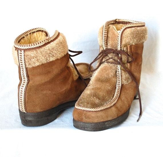 8 / Vintage 70s Snowland Scandinavian Ski Bunny Boots / 9