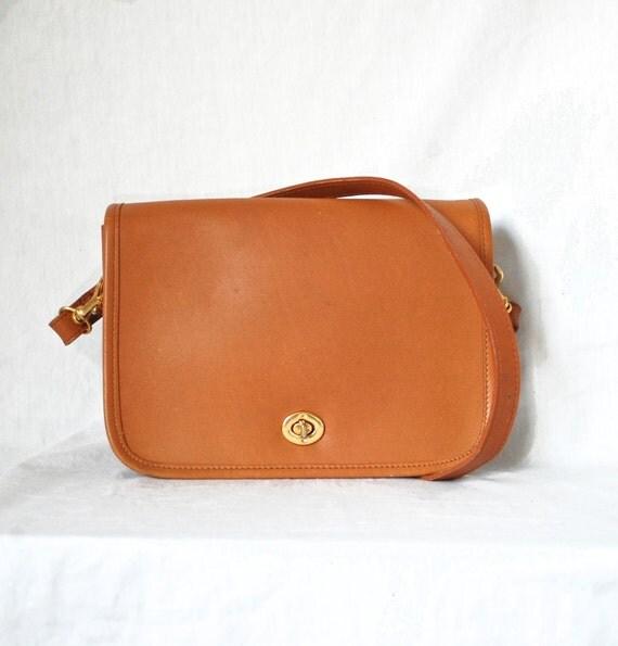 Vintage Classic British Tan Leather Turnlock Bag