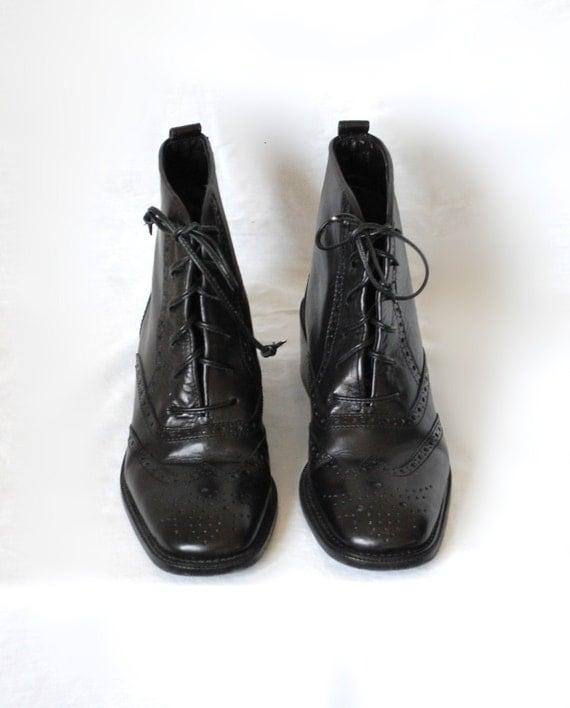 6.5 / Vintage Joan Halpern Oxford Ankle Booties / Menswear Style / Handmade in Italy / 6