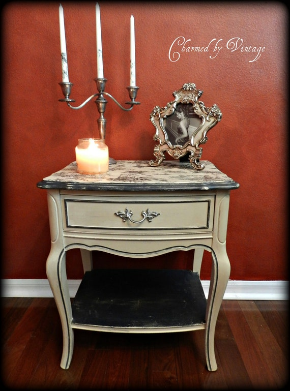 Vintage French Provincial Side Table (RESERVED FOR HOPE)