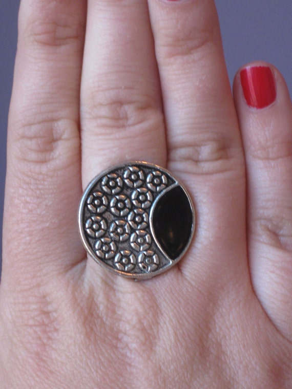 Adjustable Silver Metal Work Ring With Black Inset