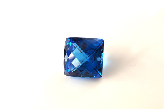 Incredible huge square swiss blue topaz gemstone weigth 114.1 cts