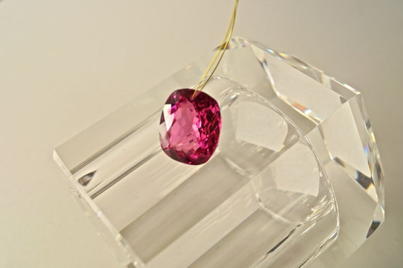 44.80 cts hot pink topaz fancy cut drilled