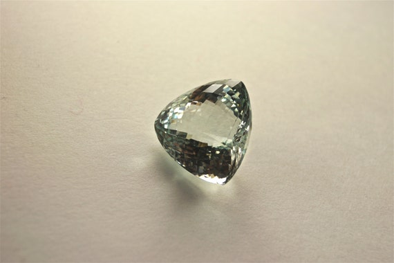 Extremely beautiful IF 38.03 ct natural unheated aaa rich sky blue topaz trilliant facet with checkerboard cut NO drilled