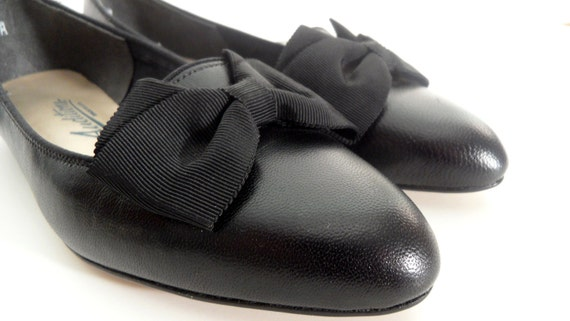 Vintage Black Flats with Bow Detail - Never Worn - Size 4.5 M - FREE U.S. SHIPPING