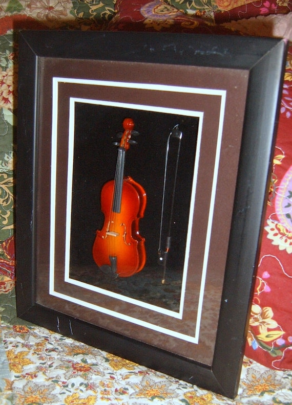 Violin Shadow Box, Picture, Fiddle, Wall Art.  Upcycled, Wall Decor, Musical Instrument