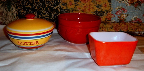 Vintage, Butter Dish,Pyrex  Refrigerator Dish, Apple Baking dish, Red, Kitchen Decor,
