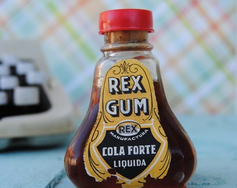 vintage bottle of glue (un-used) (01)