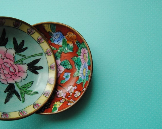 Set of 2 oriental handpainted bowls, for wall hanging,  with copper back and bracket