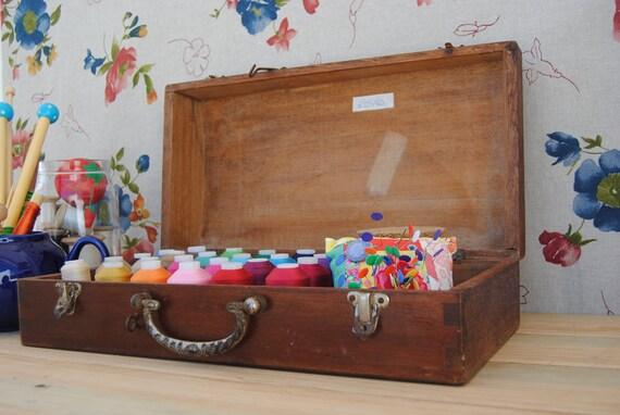 rare - vintage - stunning violin case - box with metal locks and handle