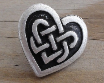 5 Celtic Knot Heart Buttons - Antiqued Silver Metal Buttons with Shank