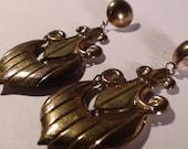 Vintage 1980s Gold French Royal Dangling Earrings Jewelry Fleur-de-lis Regal Anchor Design