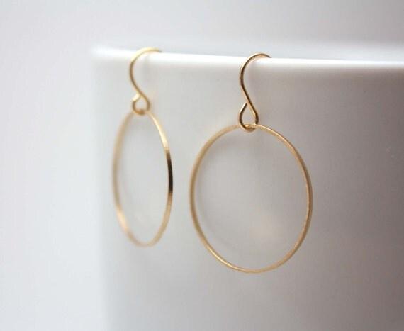 simple gold hoop earrings - simple everyday jewelry