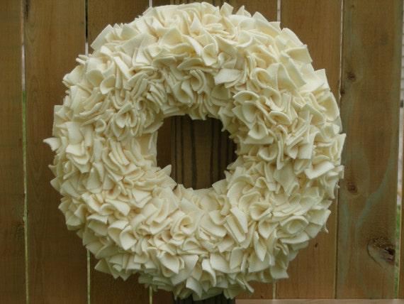Ivory Wreath --- Wedding Decor --- Fleece Wreath --- Door Wreath --- Indoor Wreath --- Wedding Wreath --- Bridal Wreath --- Rag Wreath