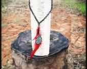Red feather choker