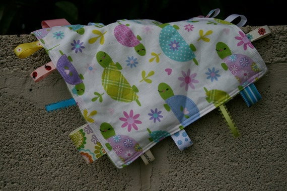 Sweet Baby Turtles Tag Blanket with light green minky // In Stock, READY TO SHIP