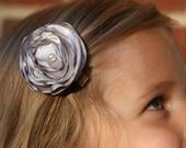 The Lauren Flower Hair Clip-Silver Gray