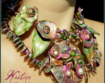 """Green Polymer clay and copper wire whimsical  necklace """"Wild garden"""", handmade jewelry"""