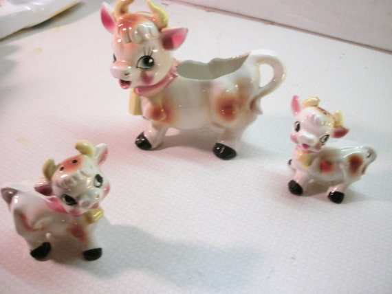 Adorable Cow Salt and Pepper and Creamer Set