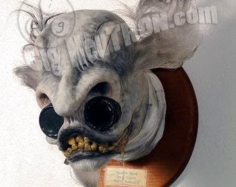 1 : 1 taxidermied Mad Dr. Merk head