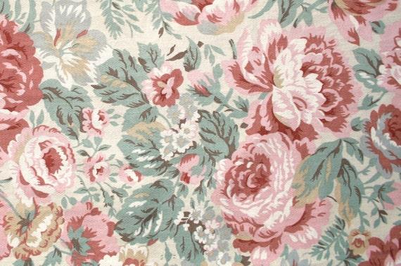 Vintage Floral Fabric, Pastel Shades, Cotton Remnant Piece