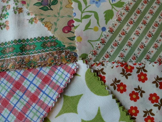 Fabric Bundle, Charm Pack, Red and Green Floral
