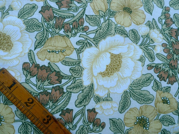 Vintage Floral Fabric, Cotton Mix Fabric Piece, Sewing Supplies