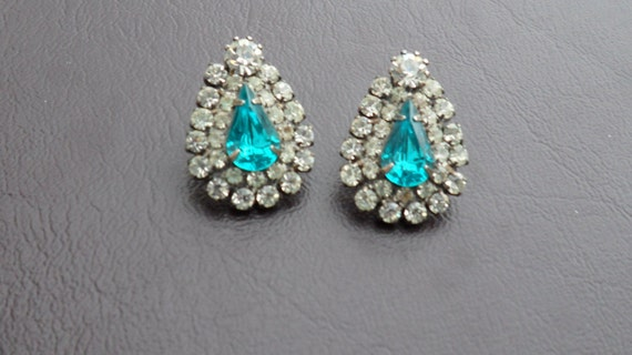 Beautiful Bling Bling  Rhinestone Tear Drop Pierced Earrings  Aqua Stone surrounded by Rhinestones  Vintage jewelry