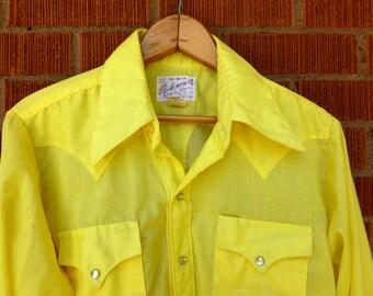 SALE - Mens Vintage 1960s Western Pearl Snap Yellow Medium 15.5