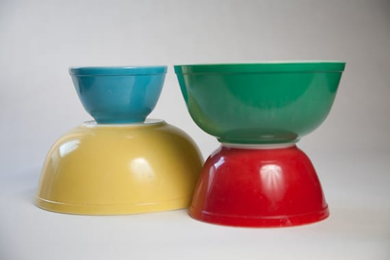 Pyrex Mixing Bowls - Primary Colors - Full Set