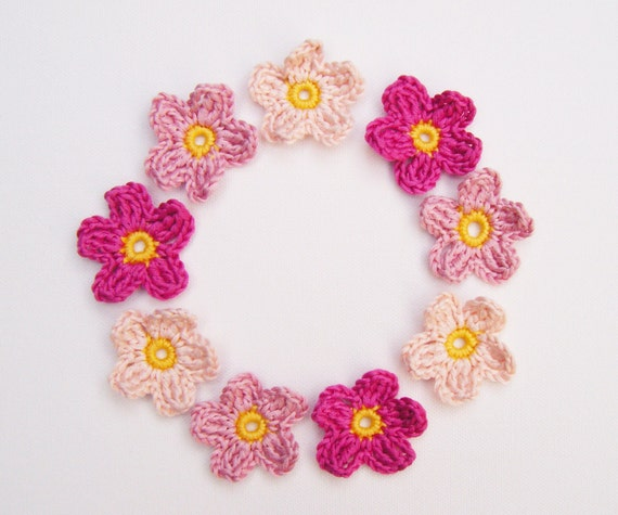 Crochet Flower Appliqués - 9 Pinks