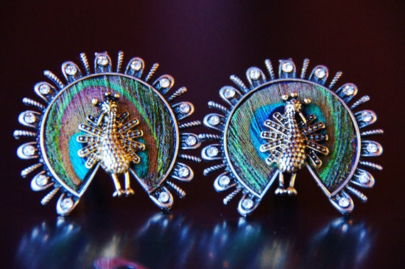 Peacock Cuff Links - WEDDING - Dancing Peacocks Feather Cufflinks - Gifts for Men - Men's Accessories - Intricate Feathers Cufflink Man Gift