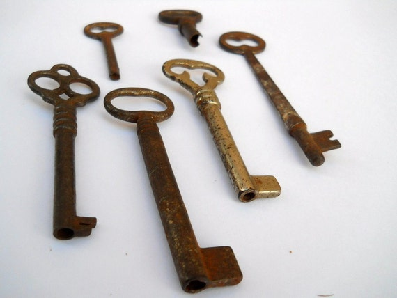 Architectural Salvage Skeleton Keys Six various locks