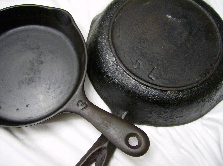 cast iron skillet small antique. Black Bedroom Furniture Sets. Home Design Ideas