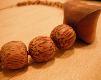 VINTAGE NATURAL WOOD necklace, Retro / Primitive Geometric Wooden Beads