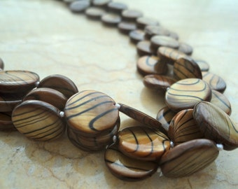 Brown Hued Shell Pearl Necklace