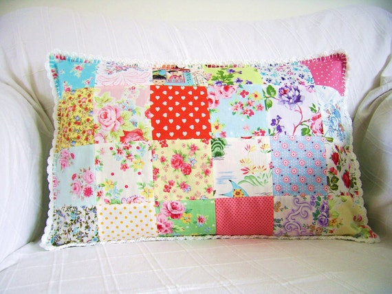 Patchwork pillowcover with crochet edging