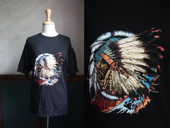 Free Shipping / Vintage 1980s Native American Indian Print T-Shirt Size: XL