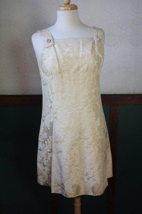 R E S E R V E D ---Summer Sale - 1940s Ivory Cocktail / Reception / Short Wedding Dress Size: M