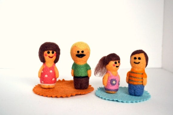 Needle Felted Family Play Set- Natural Toys