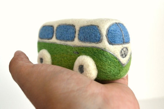Needle Felted Retro VW Van- Natural Toys