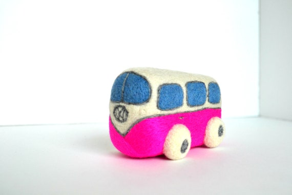 Needle Felted Pink Retro VW Van- Natural Toys